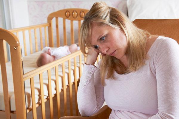 Szülés utáni depresszió a szülés után több hónappal is kialakulhat.