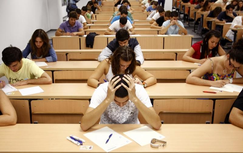 A vizsga alatti stressz teljesítményünket növeli.
